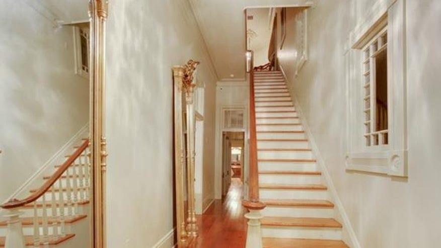 esplanade-house-foyer-e144416002927-7944ecb6f7e30510VgnVCM100000d7c1a8c0____