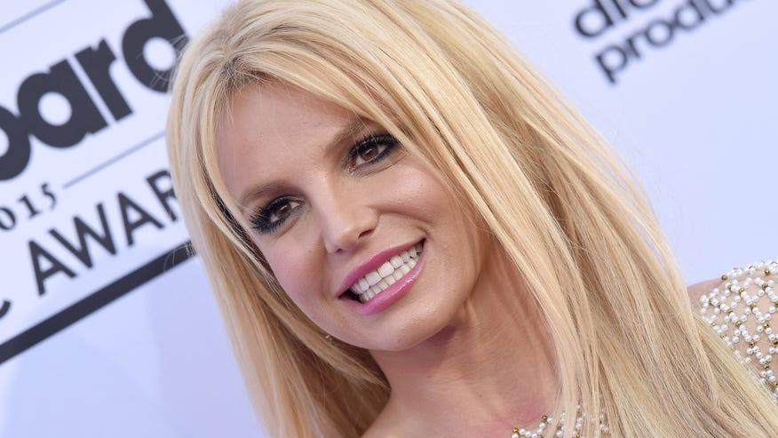 Britney-Spears-e1444858540202-1fa16b0c6fb60510VgnVCM100000d7c1a8c0____