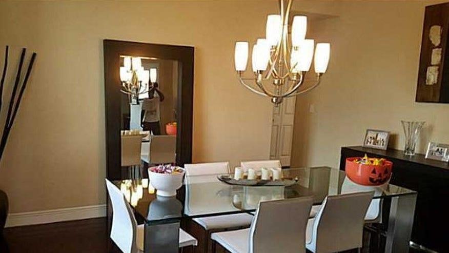 T-Plush-Dining-Room1-e1445562265425-e38db6c97e490510VgnVCM100000d7c1a8c0____
