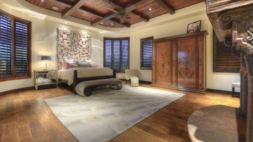 laird-bedroom-e1445637010527-07061fadf4690510VgnVCM100000d7c1a8c0____