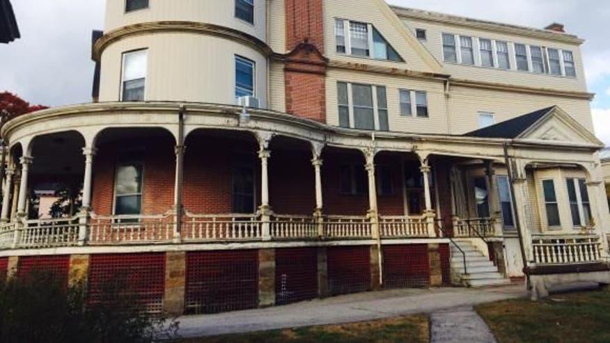 NH-mansion-front-30d734175c5a0510VgnVCM100000d7c1a8c0____