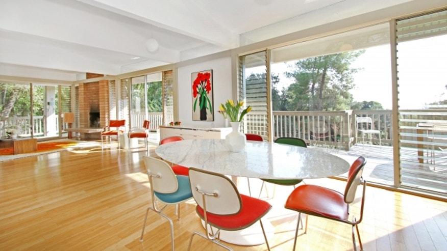 Main-House-Dining-Area-128d8a37069b0510VgnVCM200000d6c1a8c0____