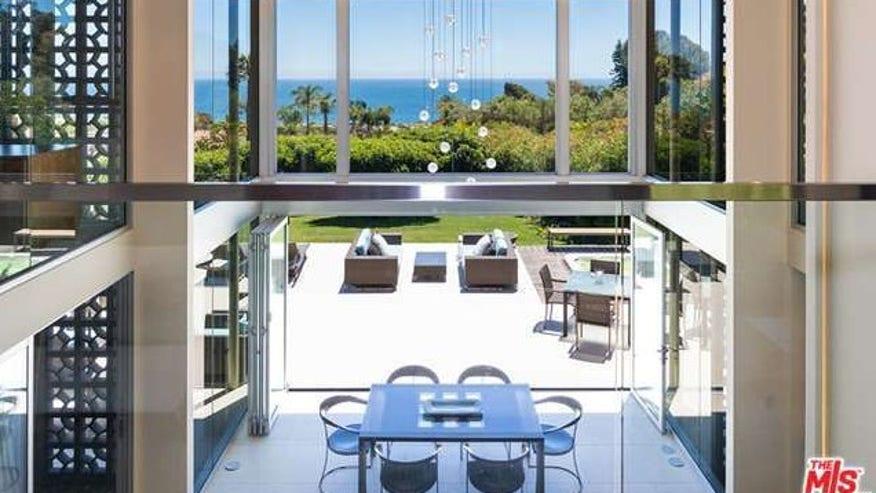 Malibu-Case-Study-House-e1446425020-09f58cf0216c0510VgnVCM200000d6c1a8c0____