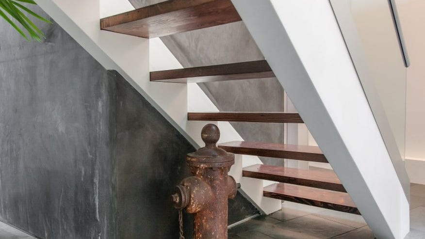 firehouse-hydrant-e1447106806424-063d136035ee0510VgnVCM100000d7c1a8c0____