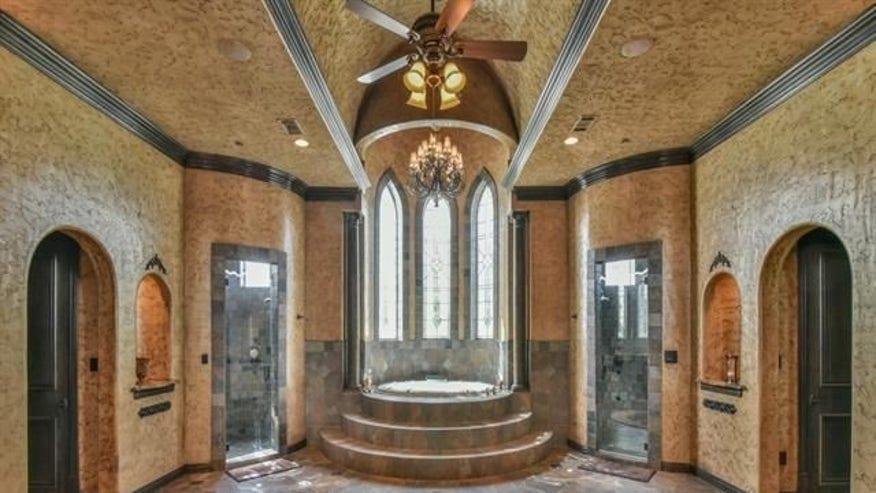 castlebathroom-e1447366149531-3cce0bbca7cf0510VgnVCM200000d6c1a8c0____