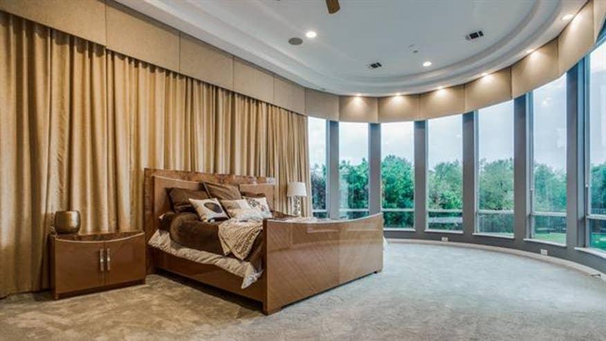 bedroom-sensabaugh-28452a389d201510VgnVCM100000d7c1a8c0____