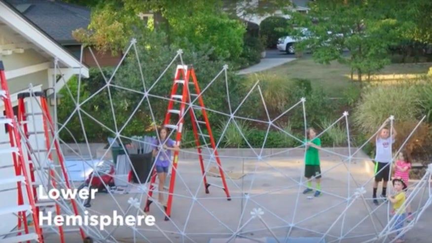 kidshelp-1024x557-50252a389d201510VgnVCM100000d7c1a8c0____