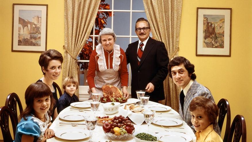 70s-holiday-meal-2d605fc4b5211510VgnVCM100000d7c1a8c0____