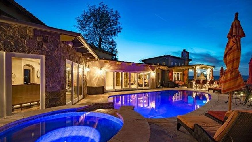 Arenas-house-pool-6eb3030fb8931510VgnVCM100000d7c1a8c0____