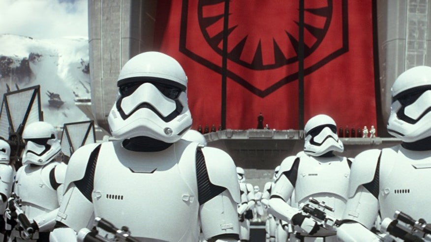 star-wars-the-force-awakens-0015-2--dba3a357ab3e1510VgnVCM100000d7c1a8c0____