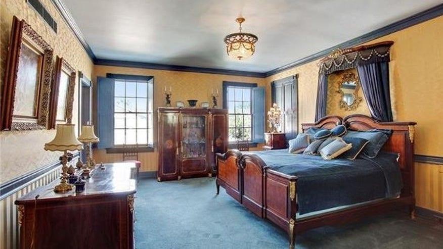 ft-bedroom-e1452719310284-e07b6e20c1d32510VgnVCM100000d7c1a8c0____