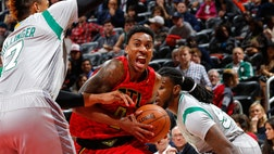 Hawks guard Jeff Teague is trying to unload his Atlanta penthouse. And he's close to a successful slam, because the luxury unit is listed as pending sale. The post Hawks' Jeff Teague Close to Sale of Atlanta Penthouse appeared first on Real Estate News and Advice - realtor.com.