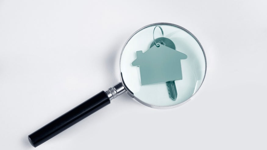 house-magnifying-glass-fac2f7cf56ac2510VgnVCM100000d7c1a8c0____