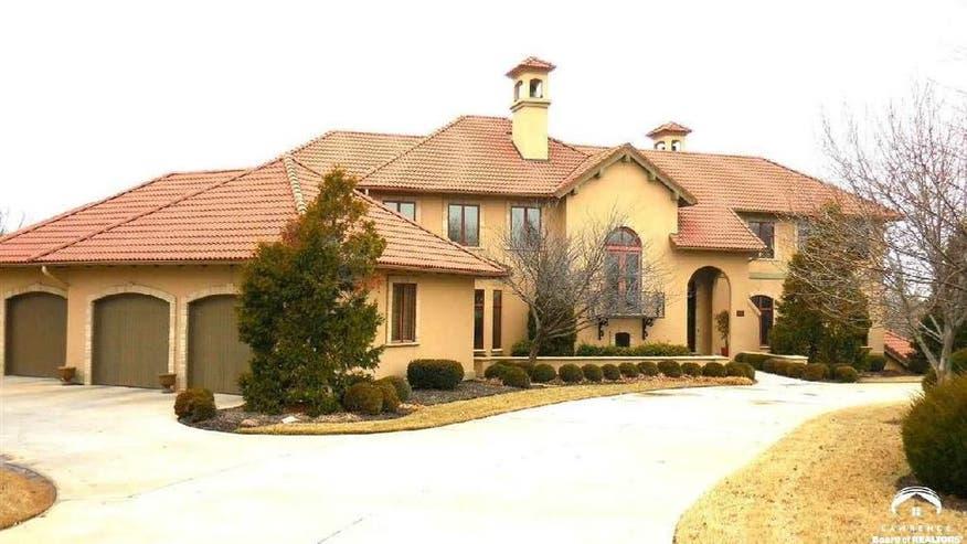 DAnny-Mannings-Kansas-House-a2f839ed2bbf2510VgnVCM100000d7c1a8c0____