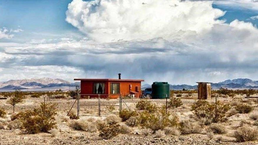 tiny-home-desert-e1456773996784-34bb213919e23510VgnVCM100000d7c1a8c0____