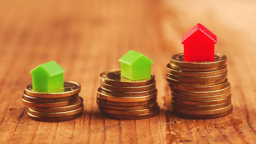 houses-on-coins-refinancing-21deb5edea253510VgnVCM100000d7c1a8c0____