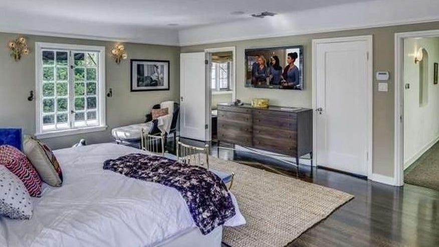 josh-bedroom-e1458165714735-c3f7eea502483510VgnVCM100000d7c1a8c0____