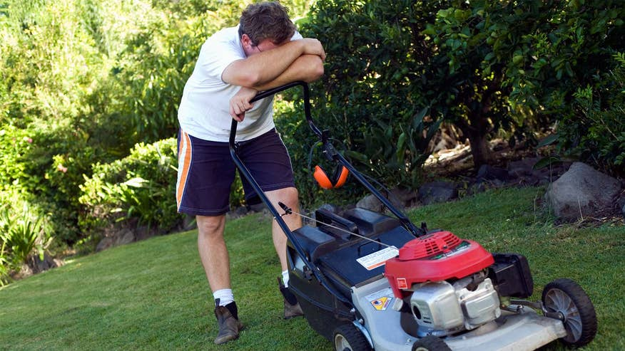 mowing-lawn-tired-67b4640e60783510VgnVCM100000d7c1a8c0____