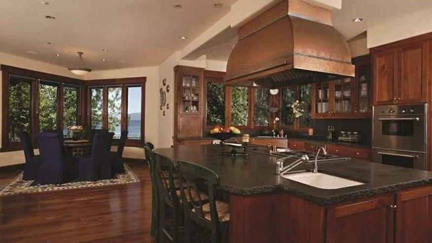 Eat-In-Kitchen3-e1458671945238-1941ba3459f93510VgnVCM100000d7c1a8c0____