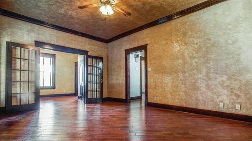 New-Floors-Walls-and-Light-Fixtures-ec11ba3459f93510VgnVCM100000d7c1a8c0____