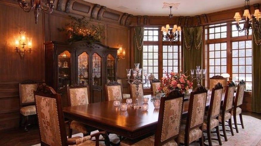 Freeland-dining-room-e1458762279748-247656b1f53a3510VgnVCM200000d6c1a8c0____