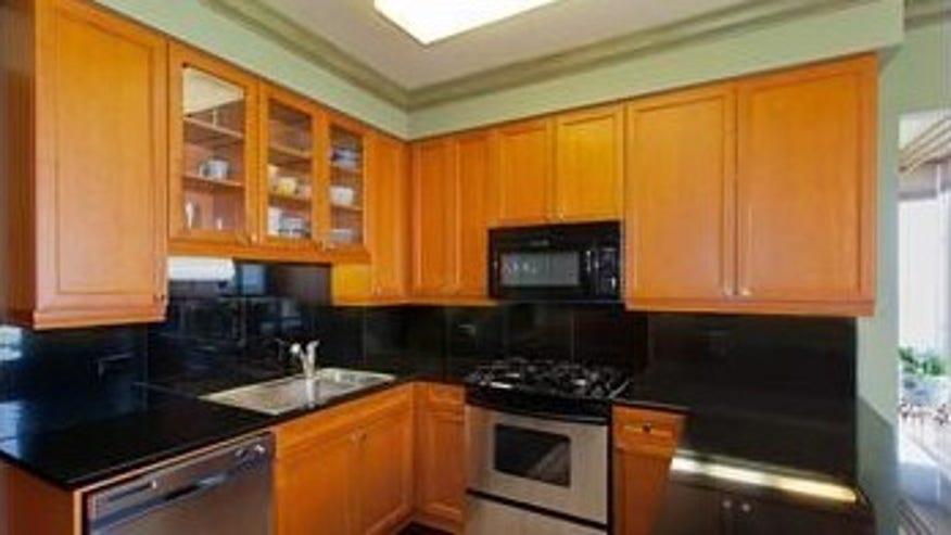 mut-kitchen-e1458752220546-d7826f40374a3510VgnVCM100000d7c1a8c0____