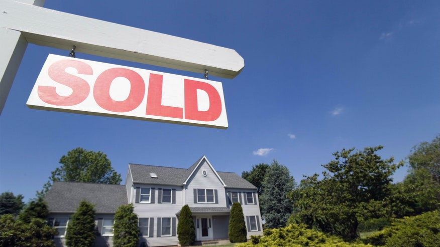 house-for-sale-sold-sign-59df46c3870f3510VgnVCM100000d7c1a8c0____