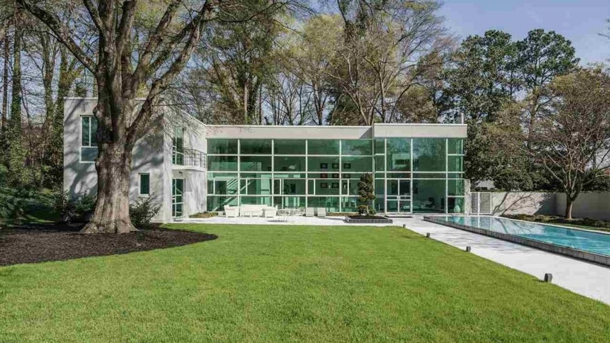 Carolina Modern Le CorbusierInspired Home In Raleigh Lists