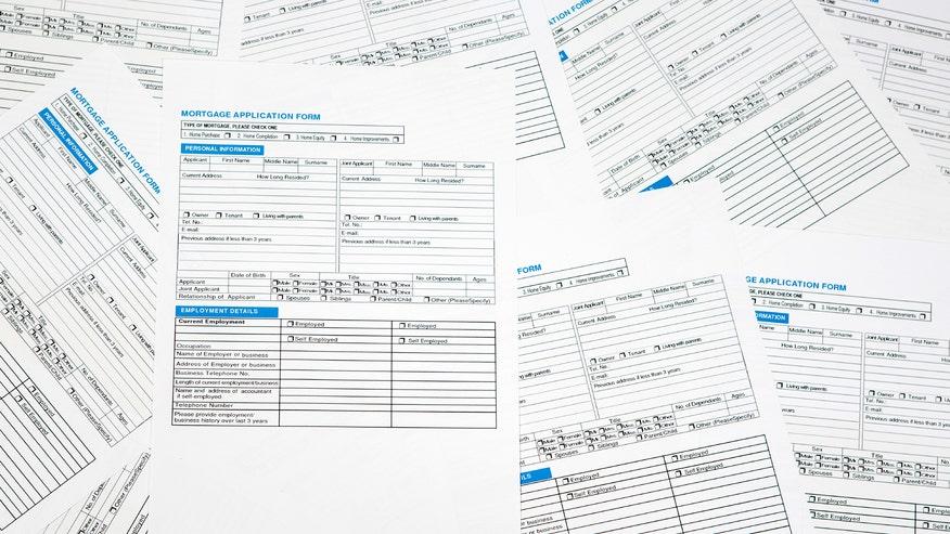 loan-paperwork-fa24646ad0f04510VgnVCM100000d7c1a8c0____