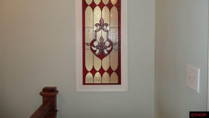 Original-Stained-Glass-9950021d42a34510VgnVCM100000d7c1a8c0____