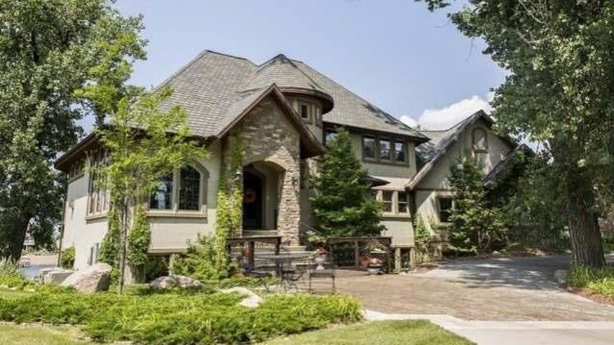 nd-mansion-front-e1461715151384-97385072fd854510VgnVCM200000d6c1a8c0____