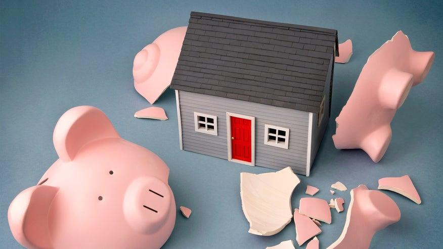 piggy-bank-house-69c298653e184510VgnVCM100000d7c1a8c0____
