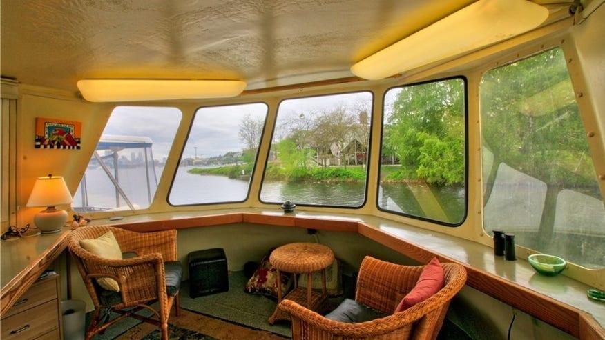 boat-view-e1462554358328-1024x574-275eec2a80784510VgnVCM100000d7c1a8c0____