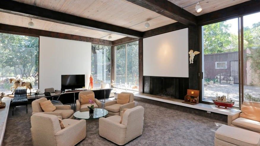 Don-Knorr-Living-Room-e146282366260-ec3d03b374794510VgnVCM100000d7c1a8c0____