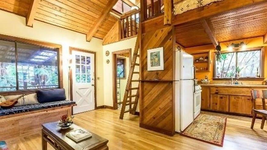 hawaii-hut-interior-e1463079060307-a05f83c3c76a4510VgnVCM100000d7c1a8c0____
