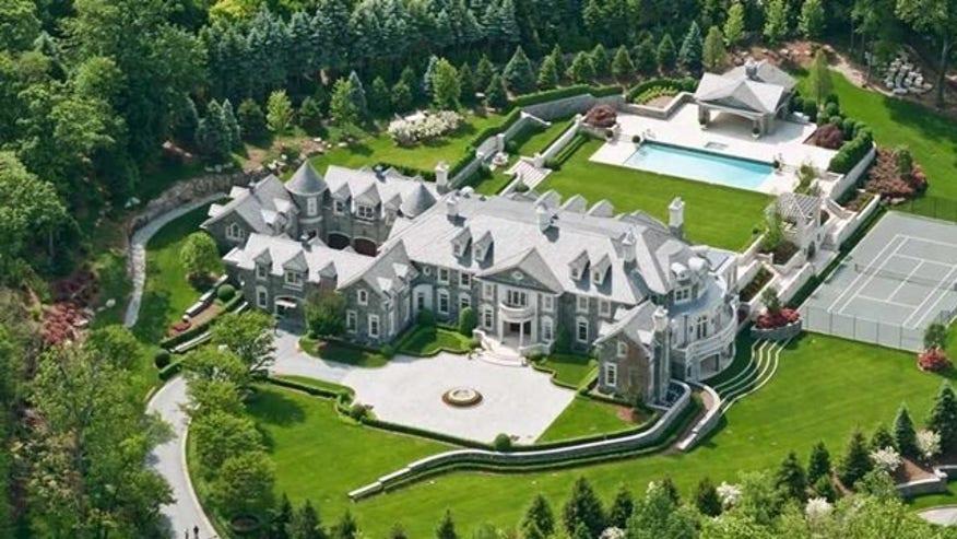 Stone-mansion-exterior-e14635249822-2d9b13d1e55c4510VgnVCM100000d7c1a8c0____