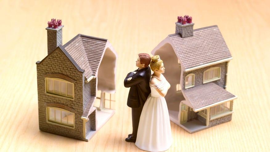 divorce-house-3ac608dcb0925510VgnVCM100000d7c1a8c0____
