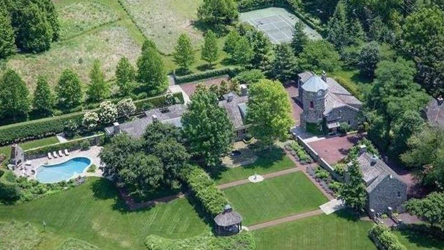 Phil-house-aerial-view-e14654090513-edba53112f135510VgnVCM100000d7c1a8c0____