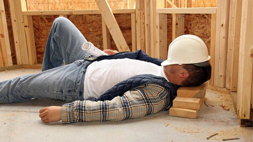 contractor-sleeping-f17eea1dd3a75510VgnVCM100000d7c1a8c0____