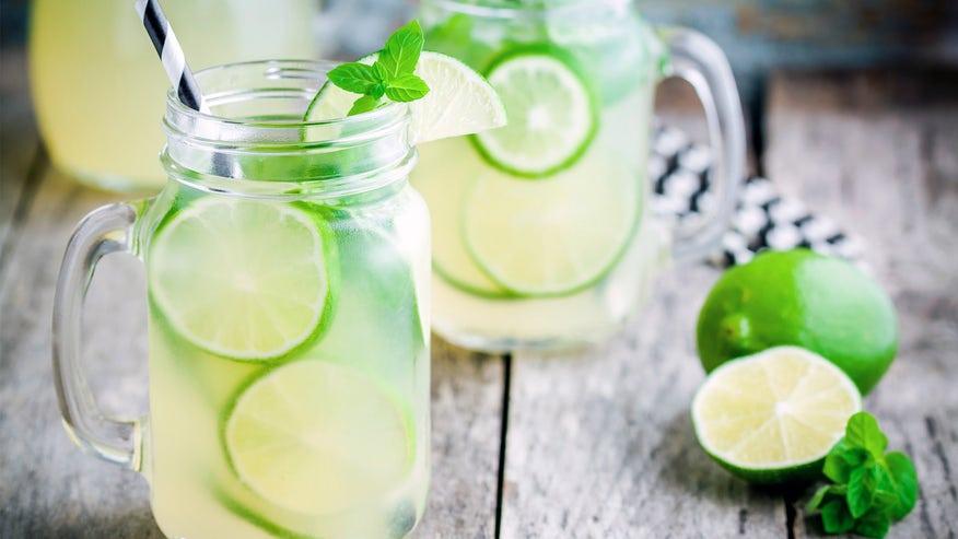 mason-jar-drink-ad6ea37a6e975510VgnVCM100000d7c1a8c0____