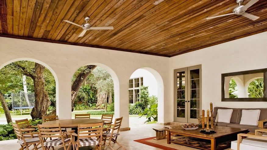 wood-ceiling-fe3e8f3787ef5510VgnVCM200000d6c1a8c0____