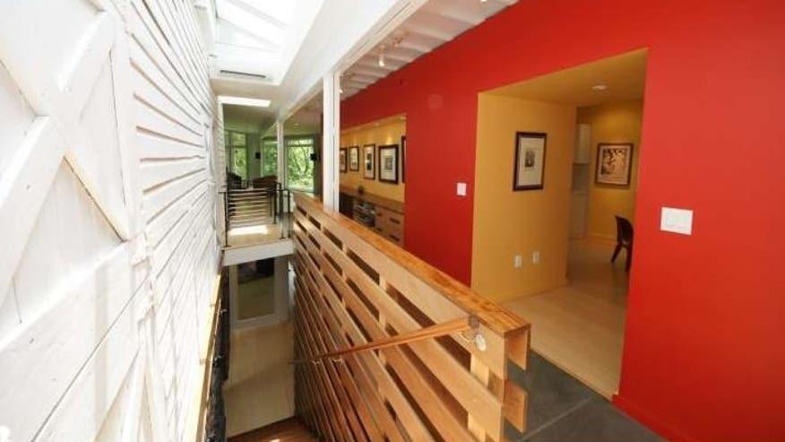 Princeton-barn-meets-modern-hallway-989524079c906510VgnVCM100000d7c1a8c0____
