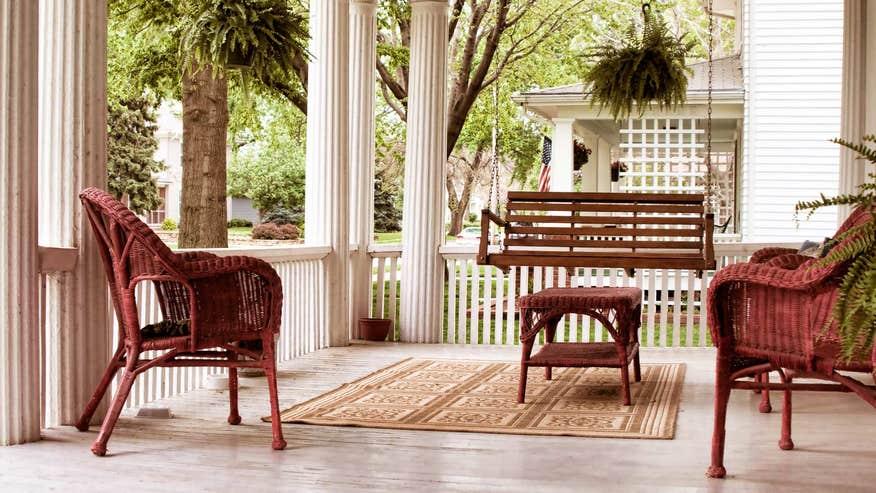 curb-appeal-front-porch-df15fd7c48406510VgnVCM200000d6c1a8c0____