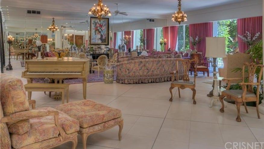 Marion-Davies-House-interior-7a6dd687ba216510VgnVCM100000d7c1a8c0____