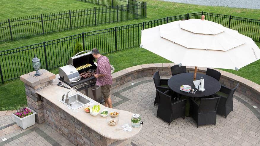 another-outdoor-kitchen-05146fc045316510VgnVCM100000d7c1a8c0____