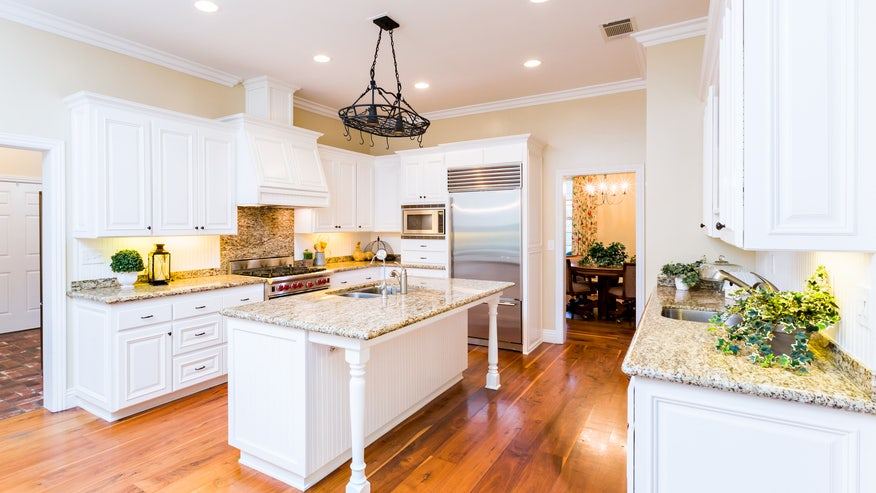 how-to-stage-a-kitchen-f101f2621e726510VgnVCM100000d7c1a8c0____