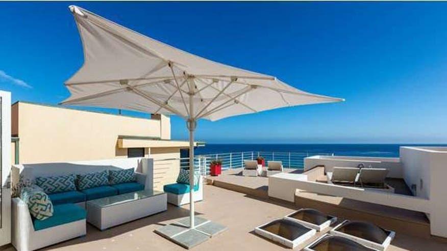 sinatra-beach-house-deck-b69efe19b5b46510VgnVCM100000d7c1a8c0____