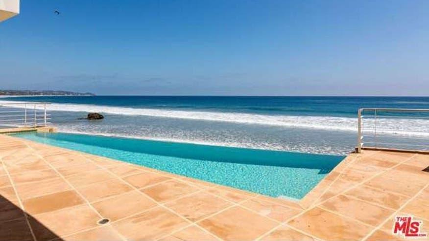 sinatra-beach-house-pool-b69efe19b5b46510VgnVCM100000d7c1a8c0____