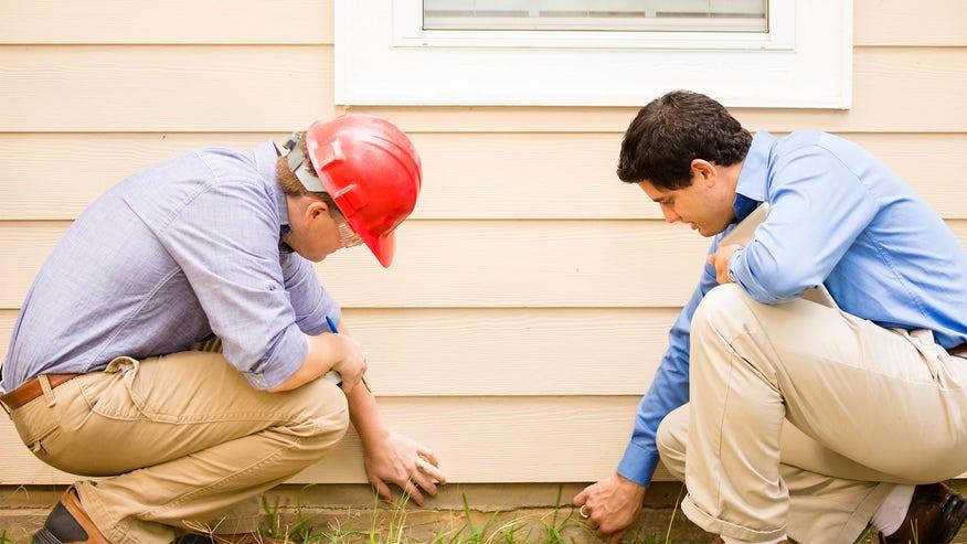 home-inspector-45-b62f3cfc44196510VgnVCM100000d7c1a8c0____