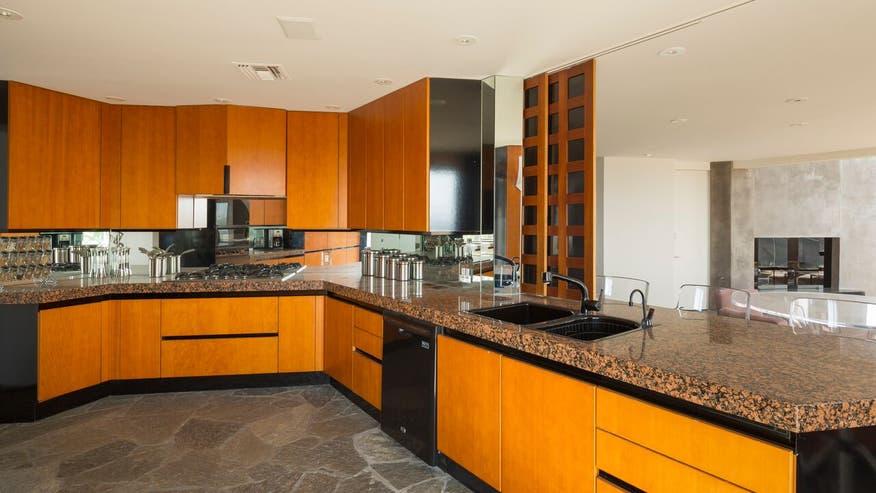 Boat-House-Kitchen-aec09afda04b6510VgnVCM100000d7c1a8c0____